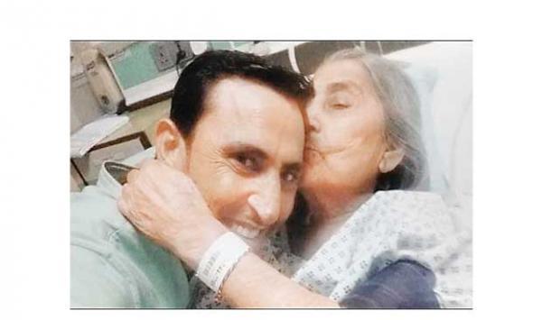 Younus Khan S Mother Passed Away