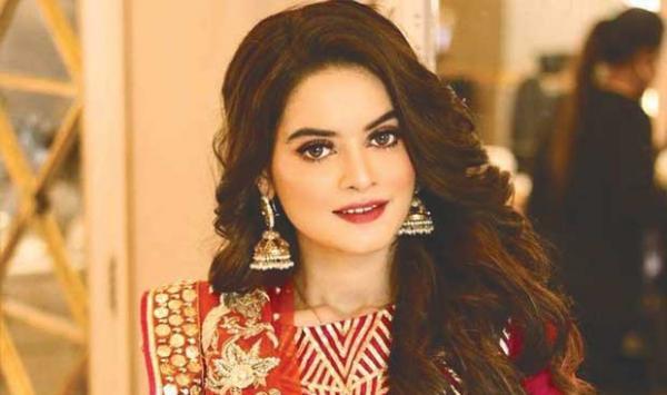 Why Did Manal Khan Become Like Kangana