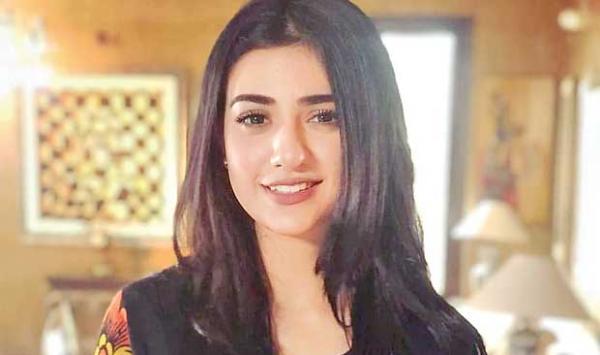 Model Swara Sheikhs Film
