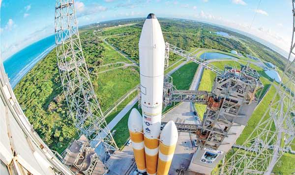 Us Spy Satellite Launches Into Space Space Becomes Battlefield