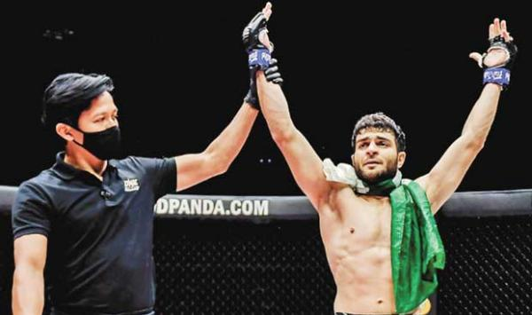 Ahmed Mujtaba Knocked Out An Indian Player In An Mma Fight