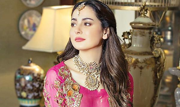 Haniya Aamir Scared The Fans With The News Of False Engagement
