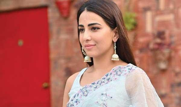 Ushna Shahs Clear Message Regarding Criticism Of Womens Size