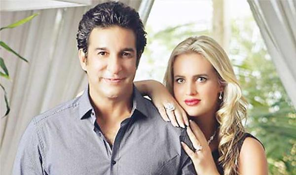 Wasim Akram Arrived In Melbourne To Meet His Wife Shanira And Daughter